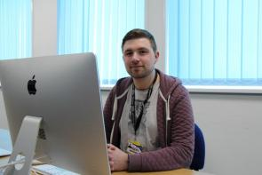 Access to Media student in Mac classroom at Bournemouth and Poole College
